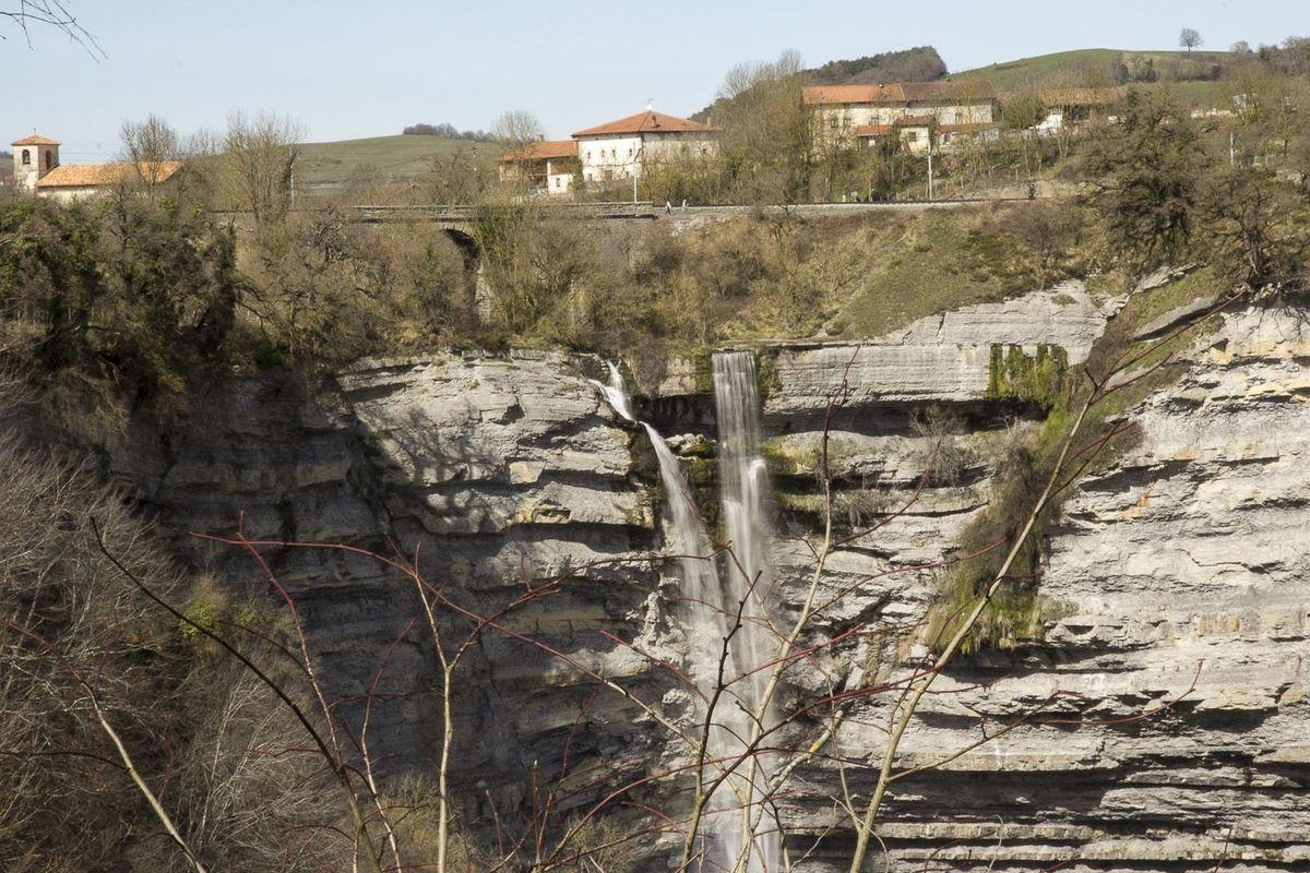 cascada gujuli_03.jpg
